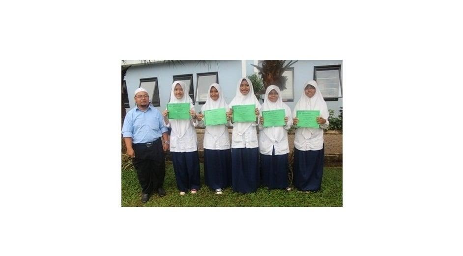 Sepuluh siswa SMPIT Nurul Fikri berprestasi terima Piagam Try Out