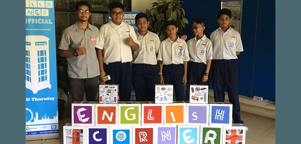 English Corner: Pendukung Nurul Fikri Bilingual School