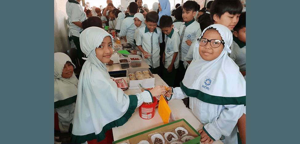 Keseruan Market Day di SDIT Nurul Fikri