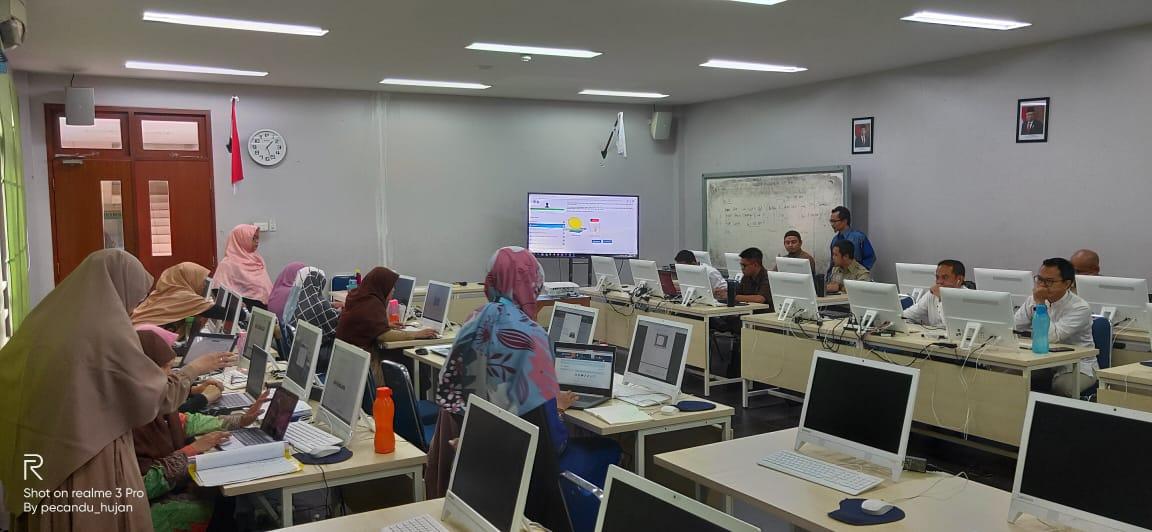 SIT Nurul Fikri Pelatihan Blended Learning Untuk Gurunya