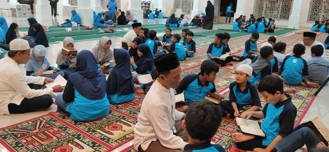 Keseruan Hafal Quran Jelang Wisuda Quran
