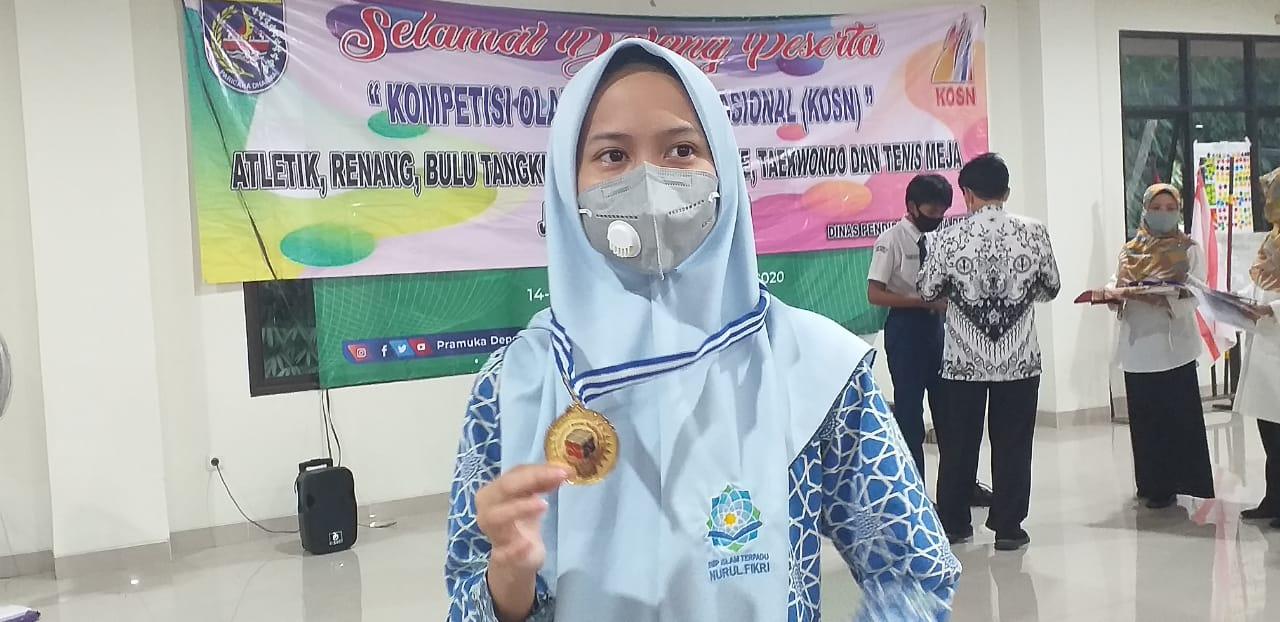 Nisrina Rebut Juara I KSN 2020 Tingkat Depok